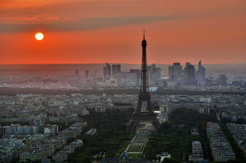 Visit the city of light in your motorhome and stay at The Paris Campsite