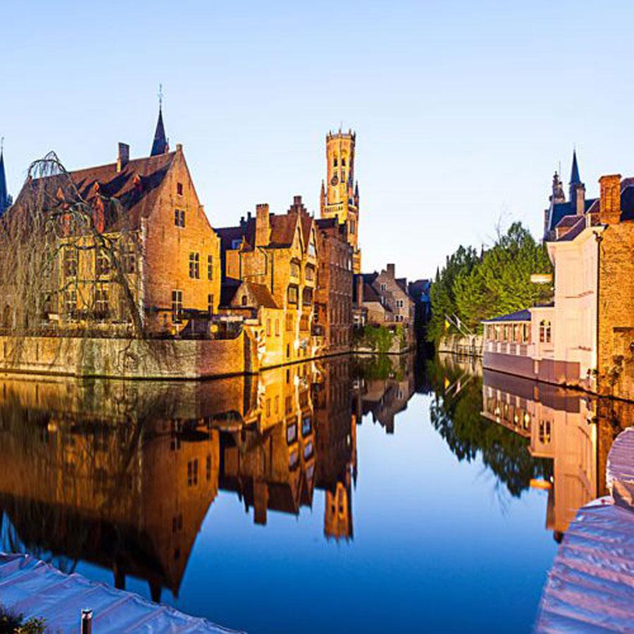 Beautiful Brugge captured in perfect light