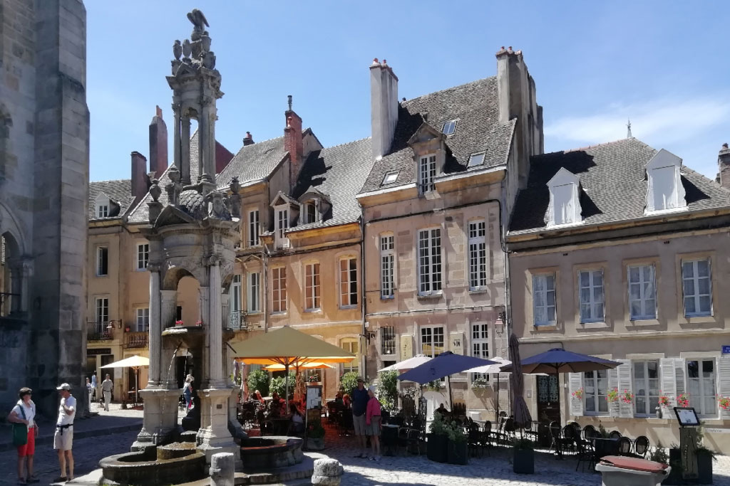 Restaurants outside the Cathedral in Autun
